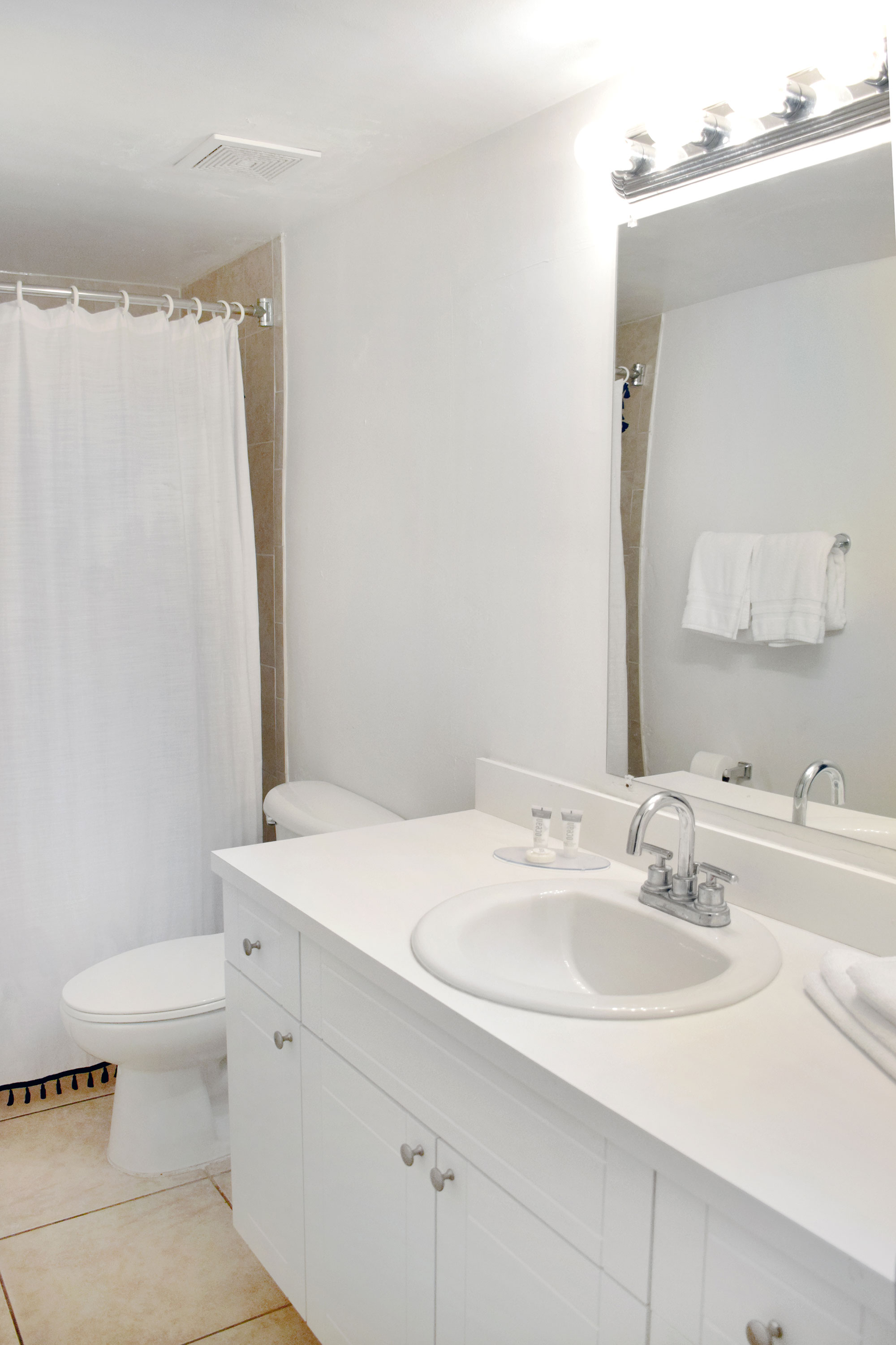 Renovated Bathroom of one of the apartments at Coral Reef